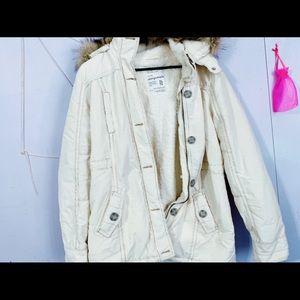 NWT 💕 Aeropostale XL parka style white jacket.